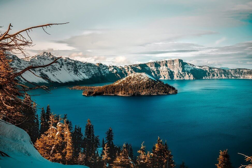 Crater Lake National Park in Oregon in the winter